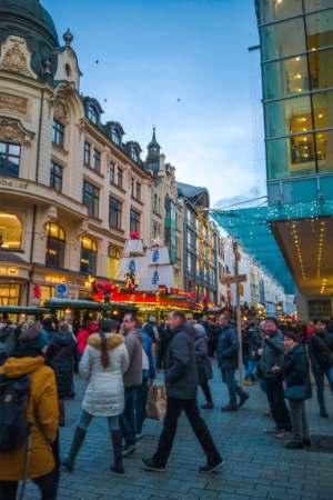 Leipzig Christmas market along street