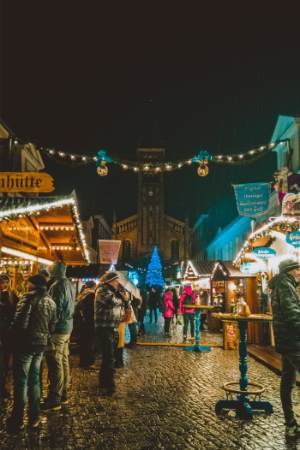 Christmas market in Potsdam toward church