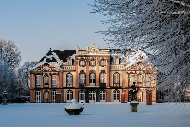 Castle Molsdorf in Erfurt covered in snow