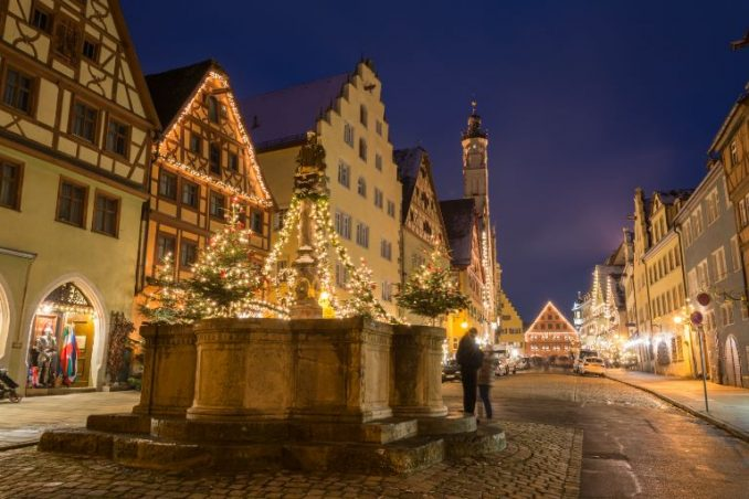 Rothenburg ob der Tauber Christmas market at night